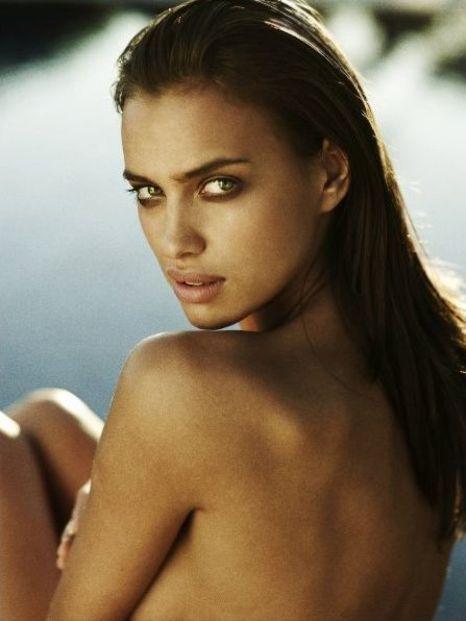 Irina Shayk : Le sublime top russe affiche encore sa silhouette parfaite... (6/6)