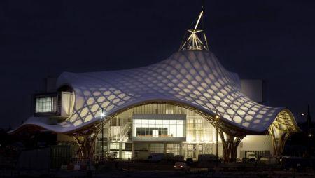 Shigeru ban architecte de papier bienvenue au pays des for Architecture ephemere shigeru ban