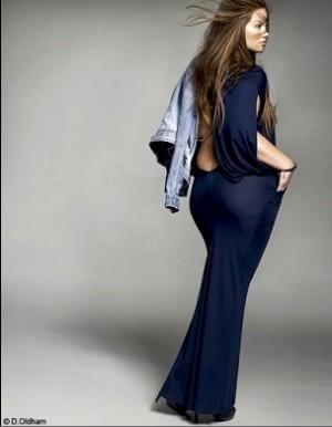 La voluptueuse et sexy Tara Lynn bouscule les diktats de la mode ! (4/6)