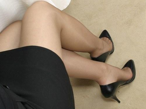 Je veux caresser ma copine entre les jambes