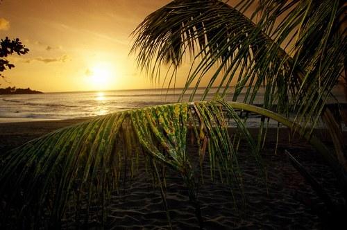 De magnifiques couches de soleil bienvenue au pays des mille et une nuit - Coucher de soleil en guadeloupe ...