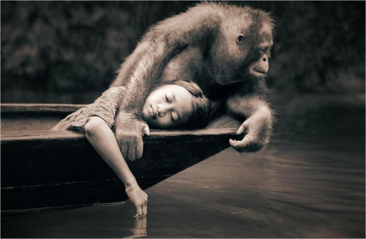 Gregory-Colbert-man-animal-01