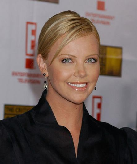 Charlize Theron 9th Annual Critics Choice Awards - Arrivals Beverly Hills Hotel Beverly Hills, California USA January 10, 2004 Photo by Gregg DeGuire/WireImage.com To license this image (2016450), contact WireImage: +1 212-686-8900 (tel) +1 212-686-8901 (fax) st@wireimage.com (e-mail) www.wireimage.com (web site)