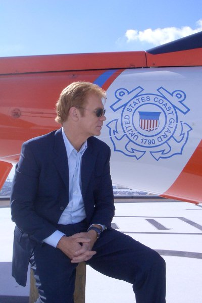 David_Caruso_waiting